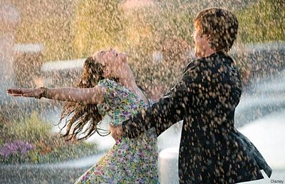 Dance In The Rain – 6 Tips For Getting Into A Good Mood Groove